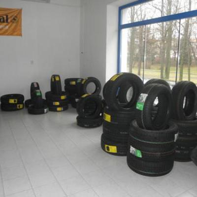 Prodejní sklad pneu